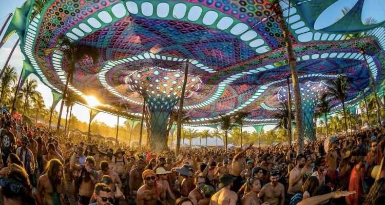 Le mythique festival Universo Paralello débarque à Paris pour une nuit psychédélique