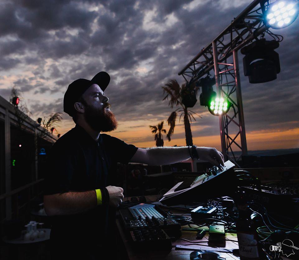 Polytone : le premier album de Teho s'exprime entre techno mélodique et réflexion idéologique