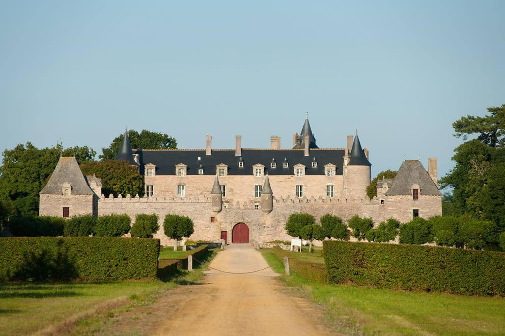 27 artistes rejoignent le line up de la soirée techno de 15 heures au Château de Bienassis