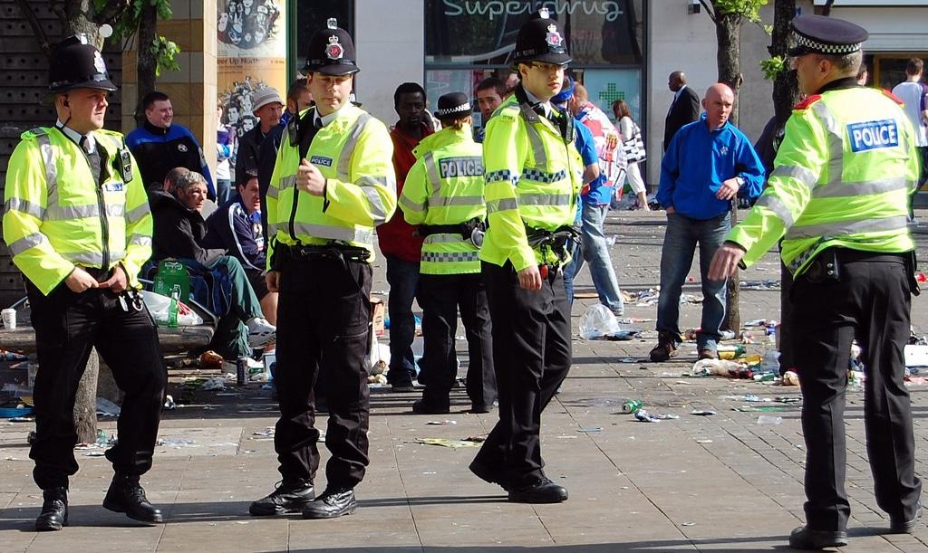 """A Manchester, 660 rassemblements illégaux et """"Coronaparty"""" recensés en moins de 15 jours"""