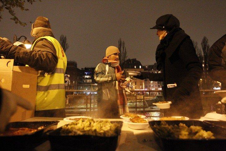 Le collectif Exoria a distribué 100 000 repas aux sans-abris grâce à ses livestream caritatifs
