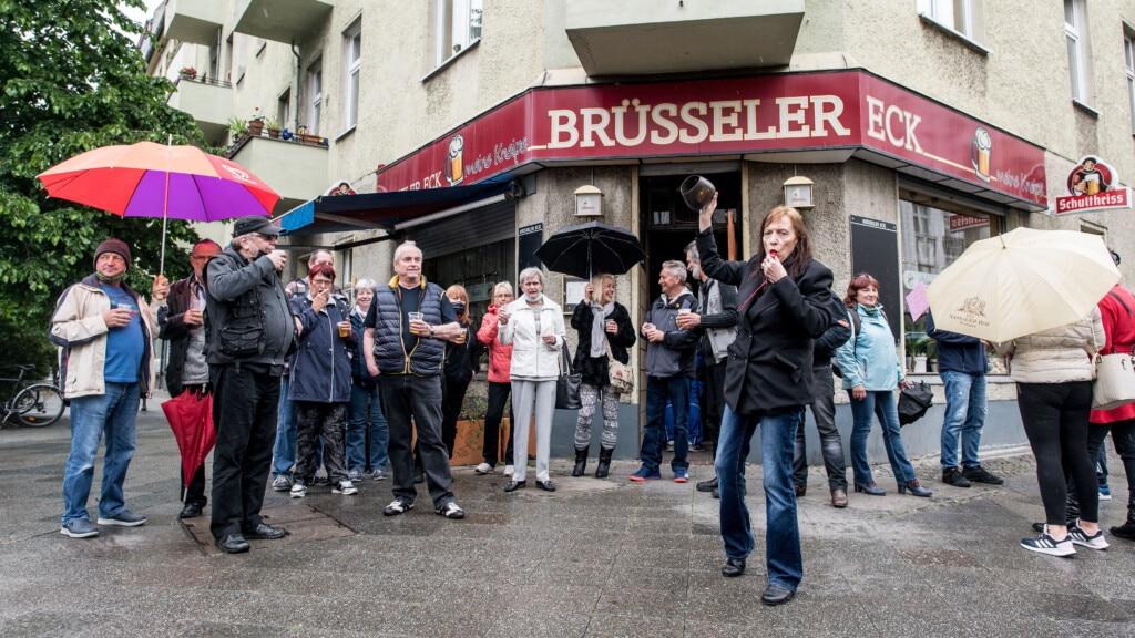 Berlin : les gérants de bars manifestent pour la réouverture de leurs établissements