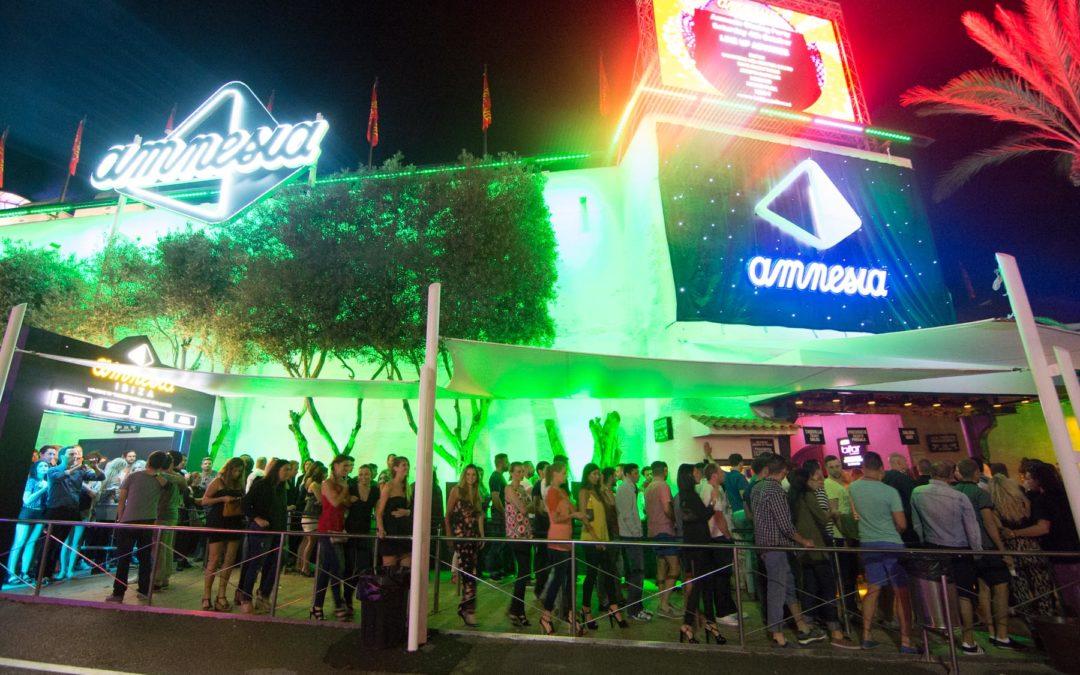 Ibiza : le patron de l'Amnesia organise une private party, la police intervient