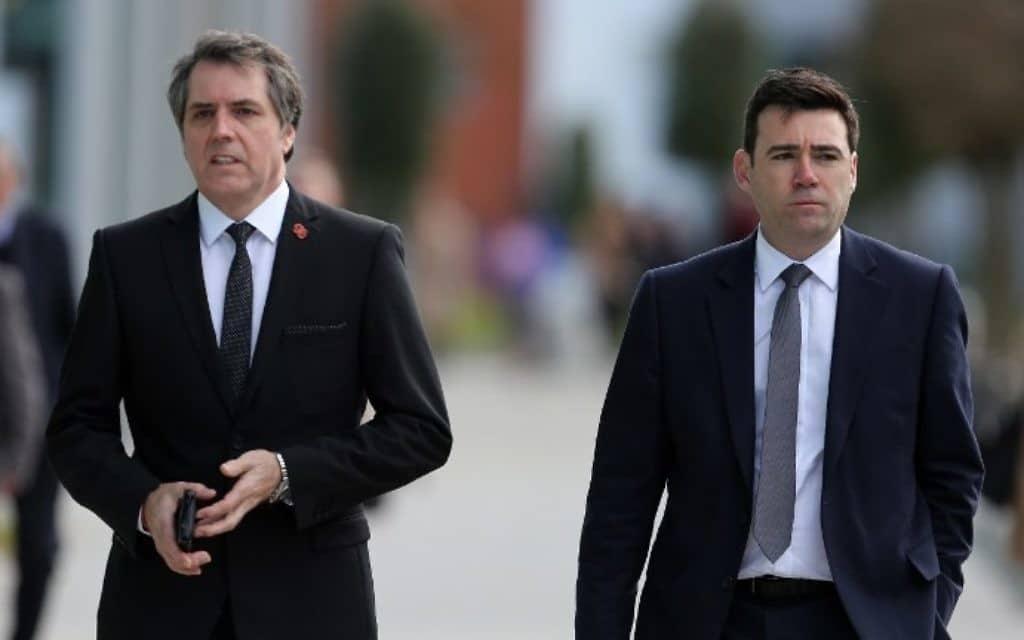 Les maires de Liverpool et Manchester vont s'affronter dans un battle DJ