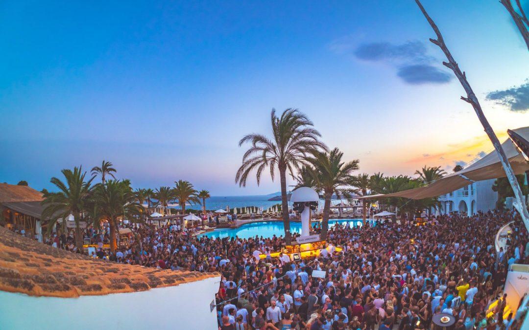 Ibiza : les clubs annoncent leur réouverture en open air et pool party uniquement