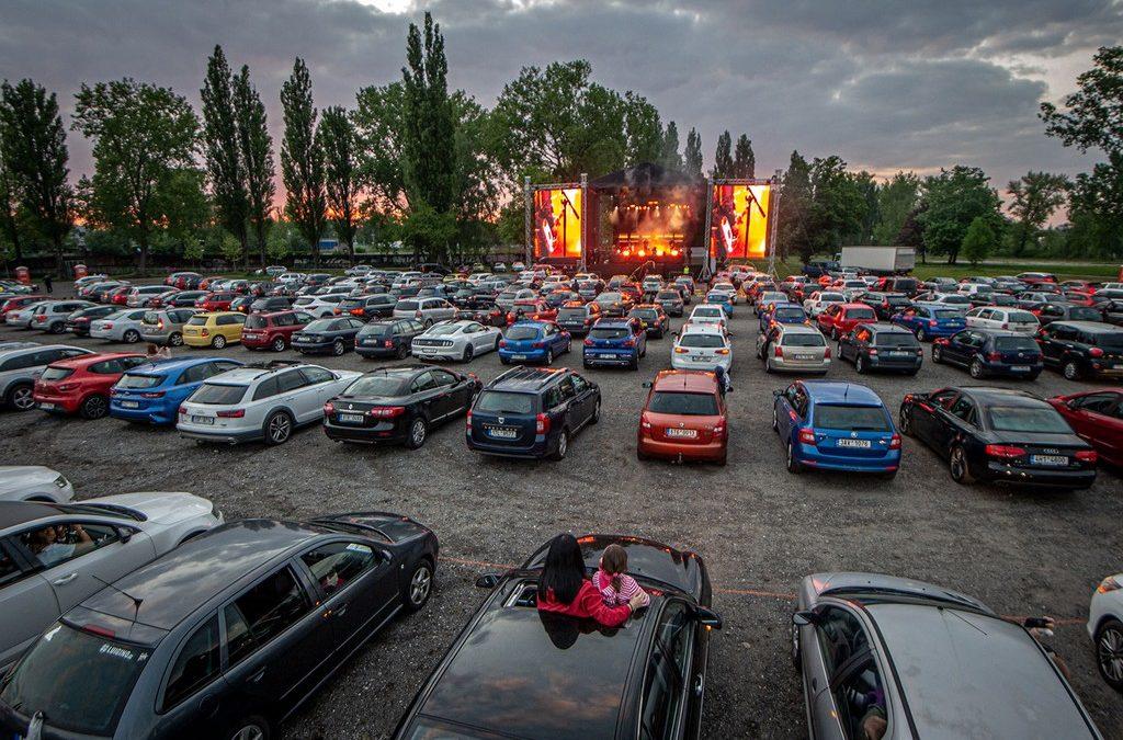 Le premier concert en drive-in débarque en France dès ce soir !