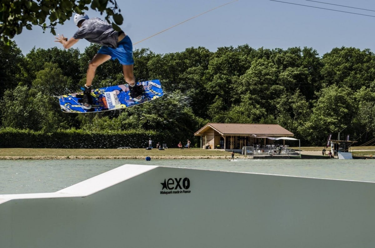 photo d'un wakeboard