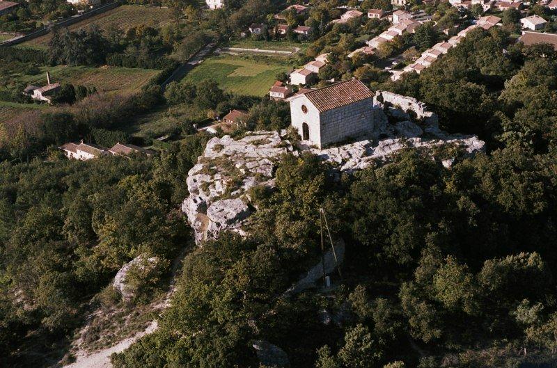 Drôme : une soirée dans un domaine religieux dégénère et se transforme en Projet X