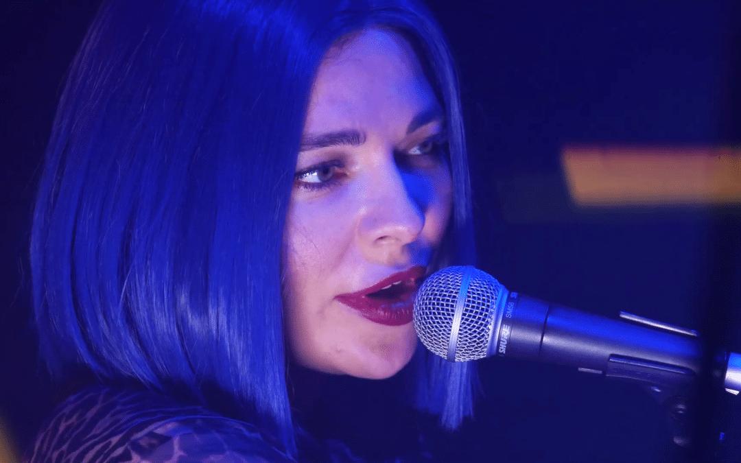 À voir : le live techno surprise de Nina Kraviz pour la sortie de Cyberpunk 2077