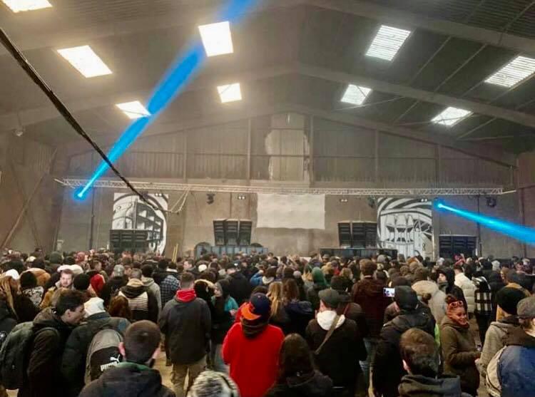 Bretagne : 1 000 teufeurs encore présents à la free party du Nouvel An qui finit demain
