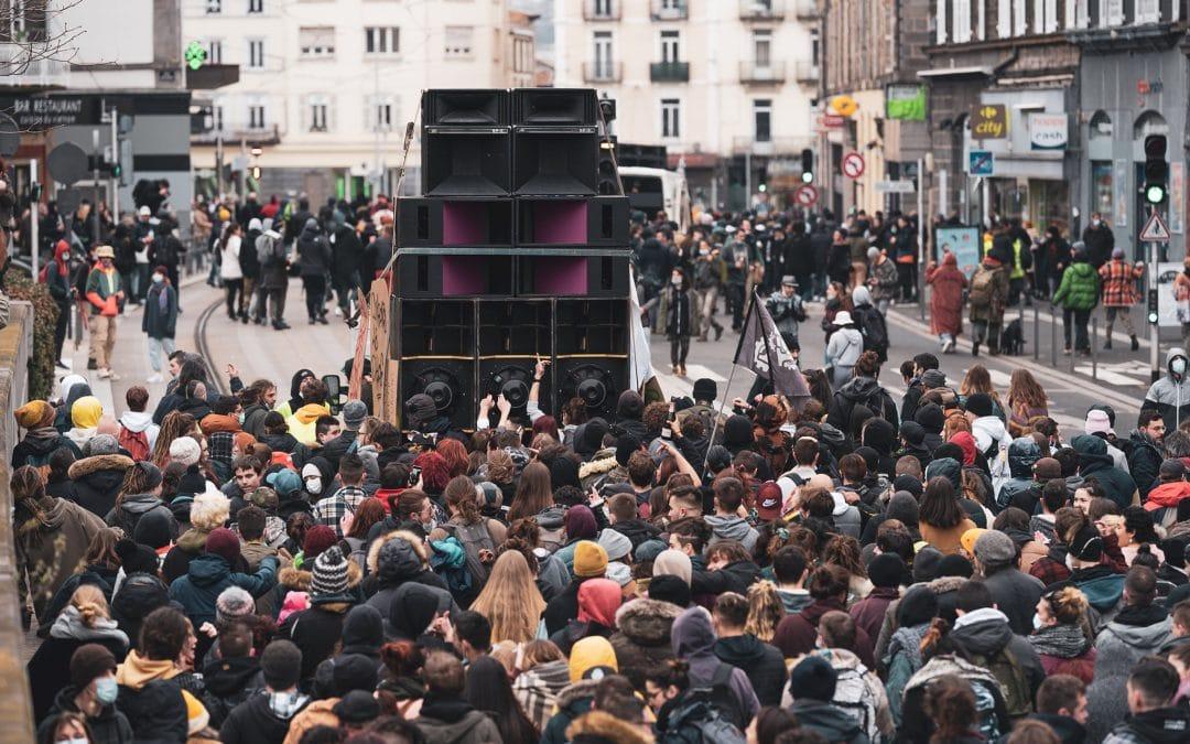 """Les soundsystems de toute la France sont appelés à manifester ce samedi pour soutenir la """"Maskarade"""""""