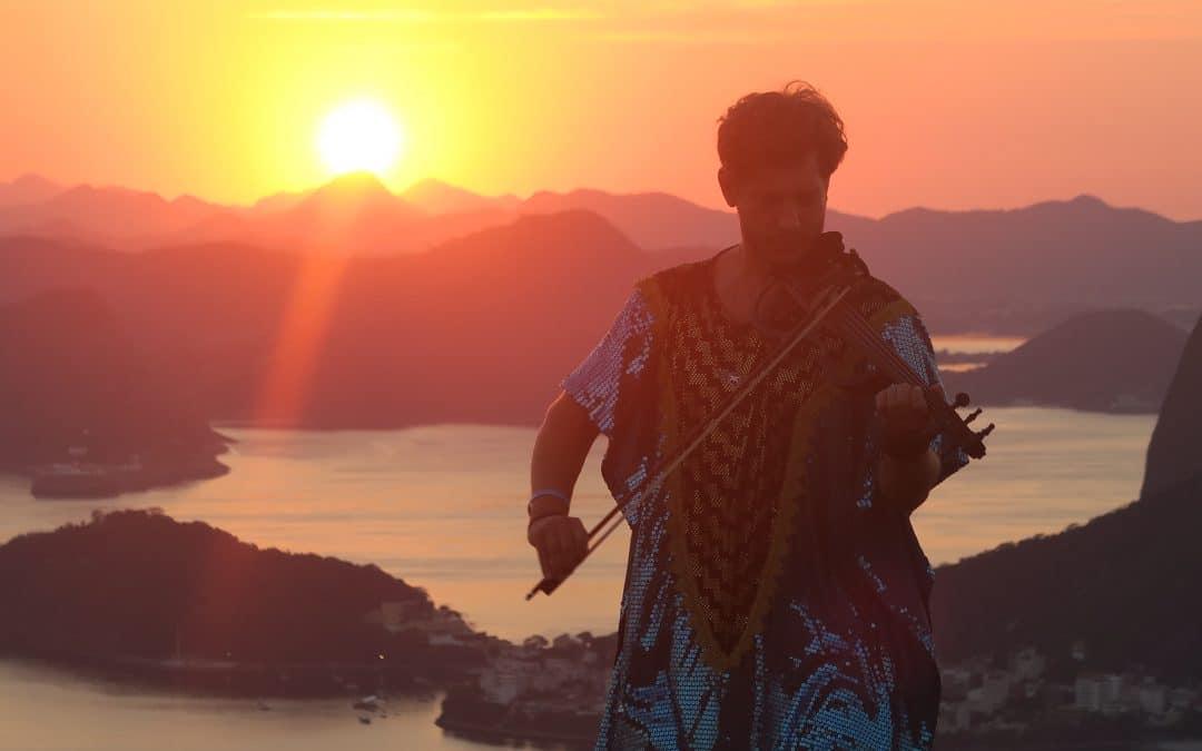 Seth Schwarz et Teho dévoilent leur titre 'Nasaja' sur fond de violon et house mélodique
