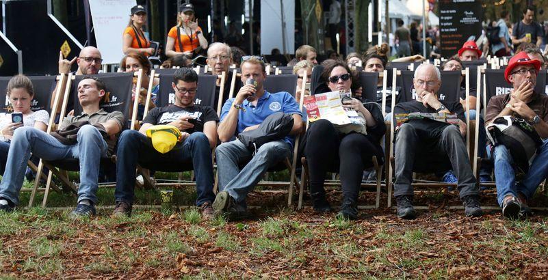 Roselyne Bachelot : les festivals d'été devront être assis, avec une jauge à 5 000 personnes