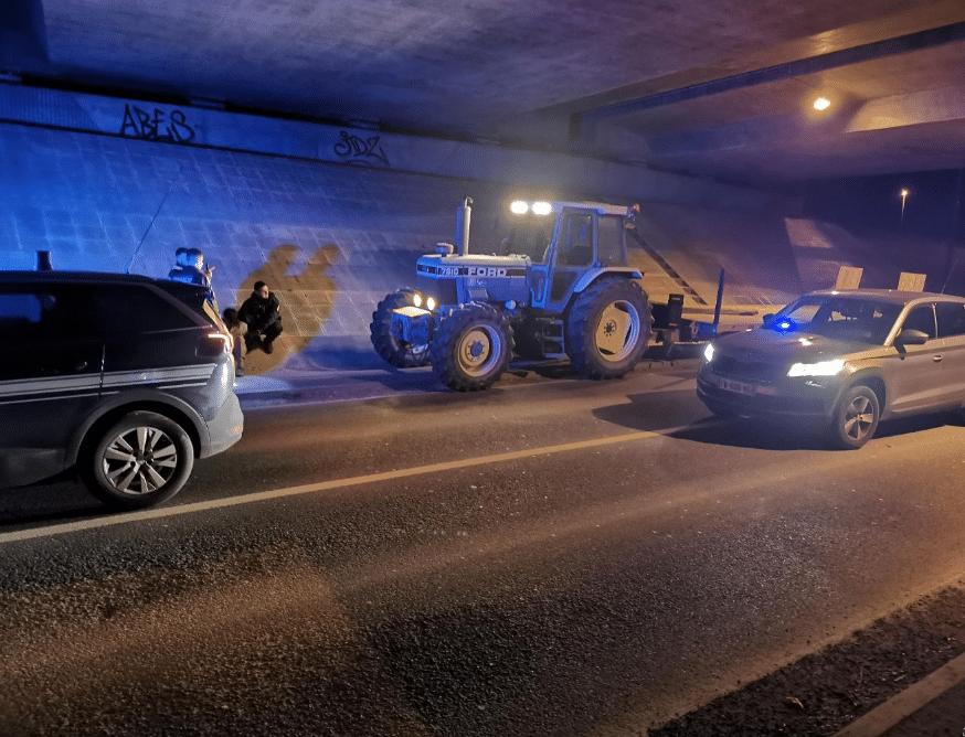 Nièvre : ivre, il entame une course poursuite avec la gendarmerie à bord d'un tracteur