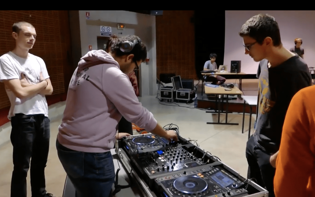 Universitek : la plateforme qui donne des cours de musique électronique gratuits