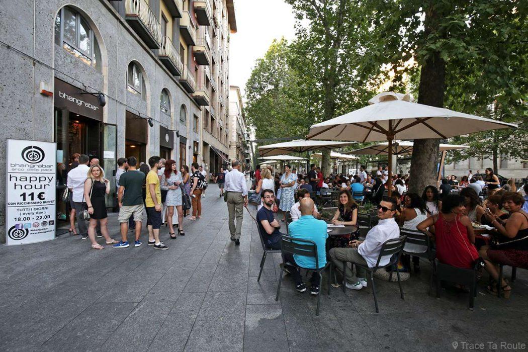 Bar à Milan. Crédit : Trace Ta Route