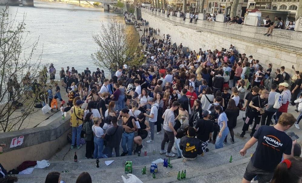 La consommation d'alcool interdite dans les espaces publics dès dimanche
