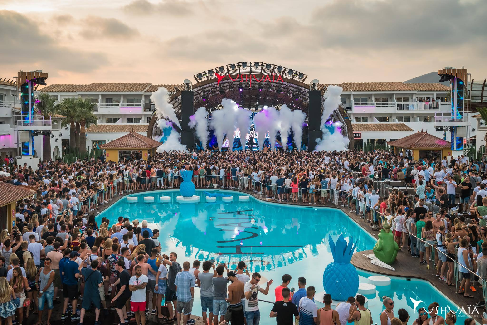 Pool Party à l'Ushuaia Ibiza pour la BLUE The Party!