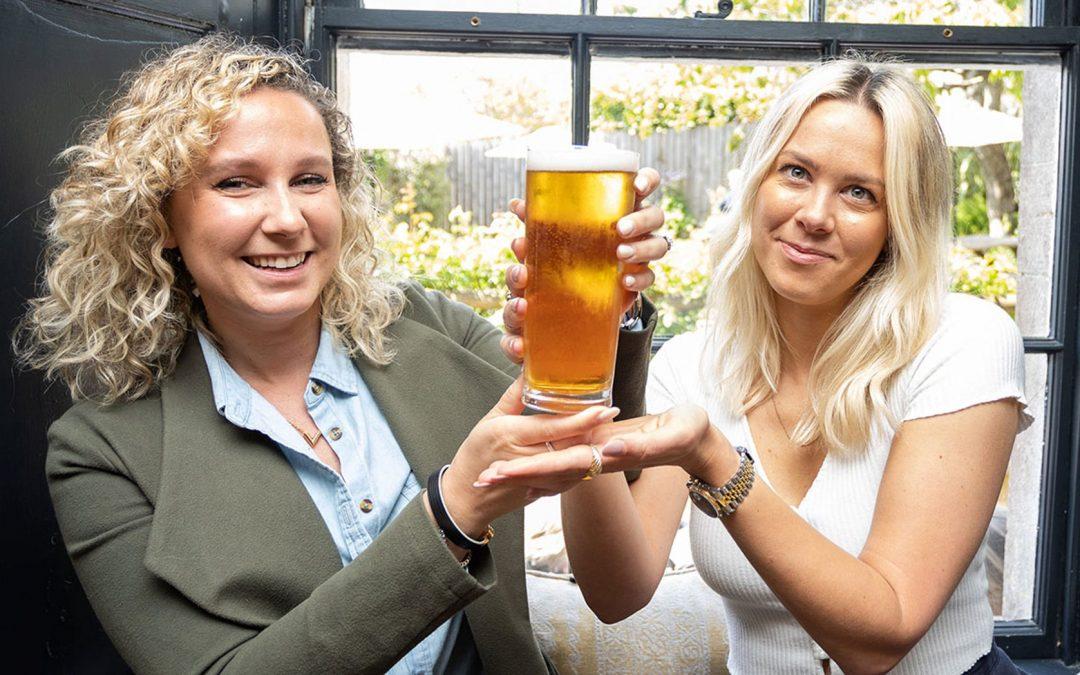 Angleterre : une pinte de bière se vend 877€ aux enchères