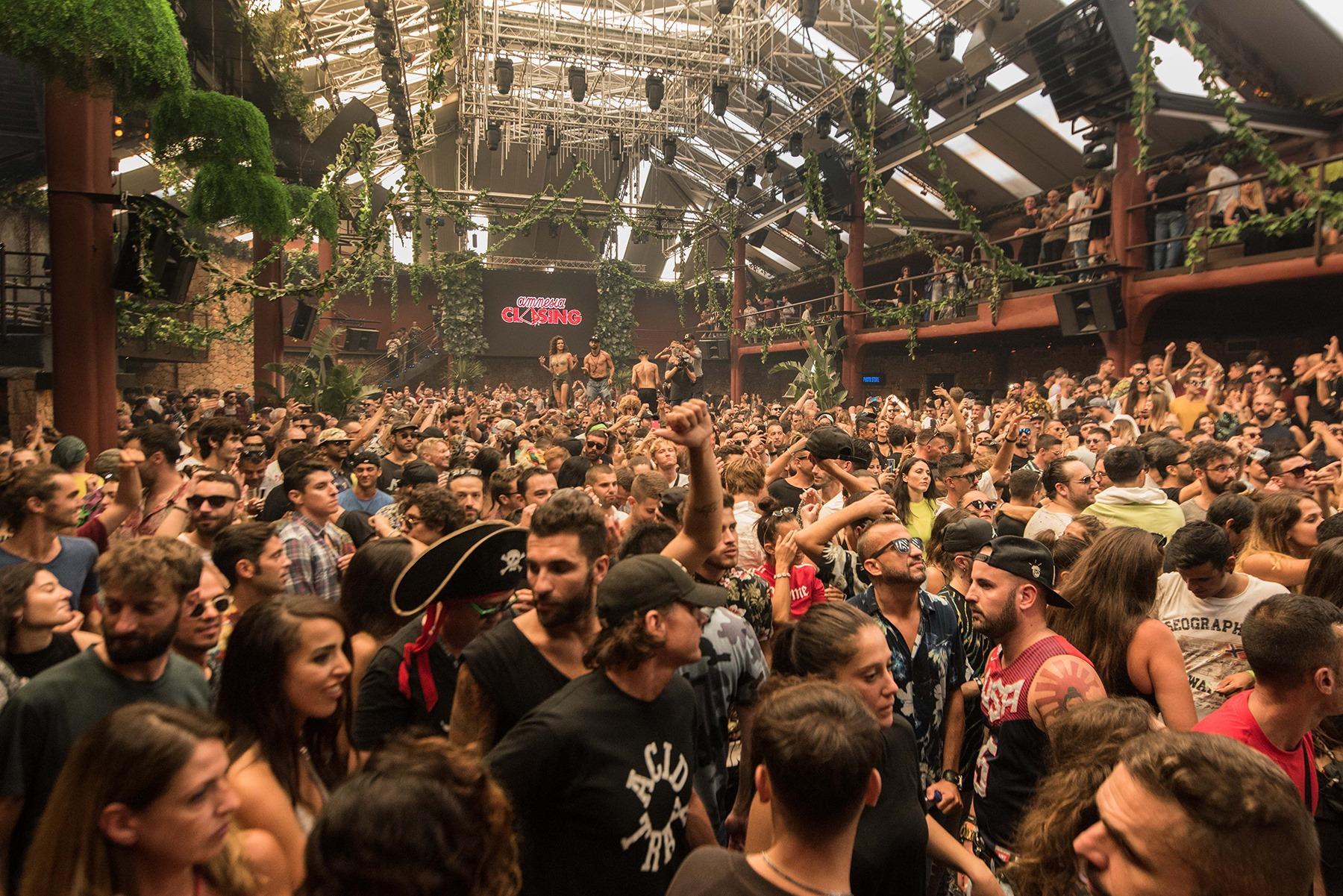 Photo d'une closing party à l'Amnesia Ibiza