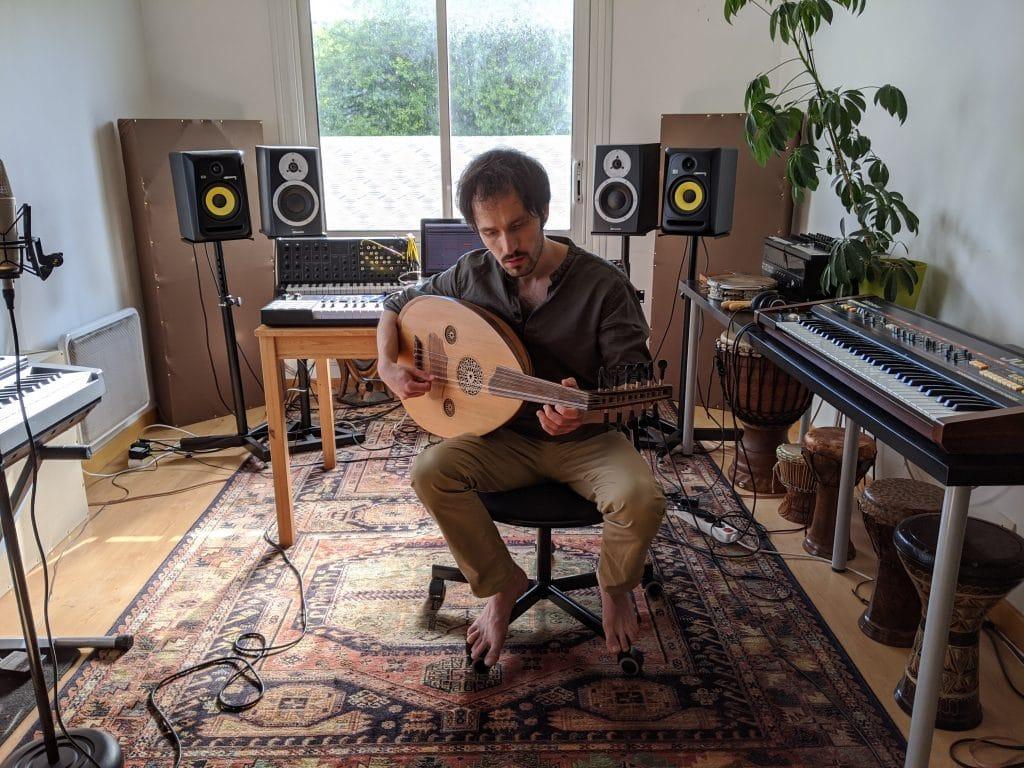 Jarl Flamar dans son studio