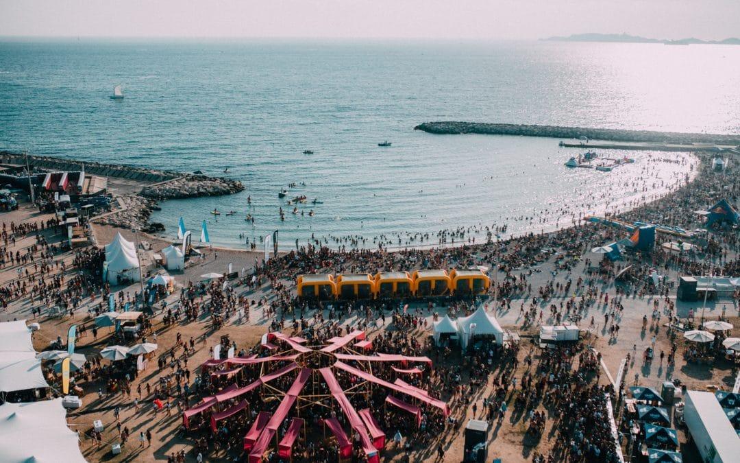 """La plage de Marseille se transforme en festival """"Woodstock"""" électro à la fin août"""