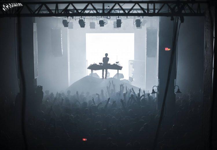 Un DJ set au Cabaret Aléatoire