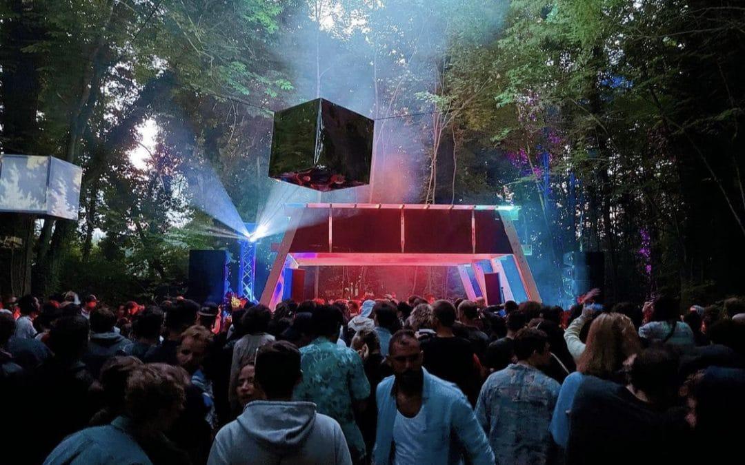 5 scènes dans la forêt ou devant un château : le festival Nostromo est de retour ce week-end