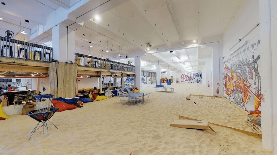 La plus grande plage couverte de Paris se transforme en dancefloor house et techno